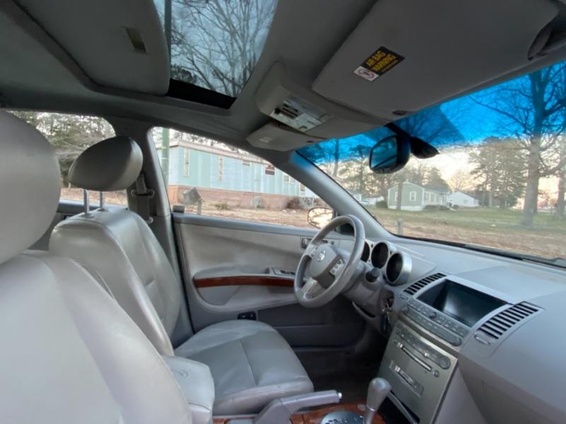 Nissan Maxima 2004 price $2,950