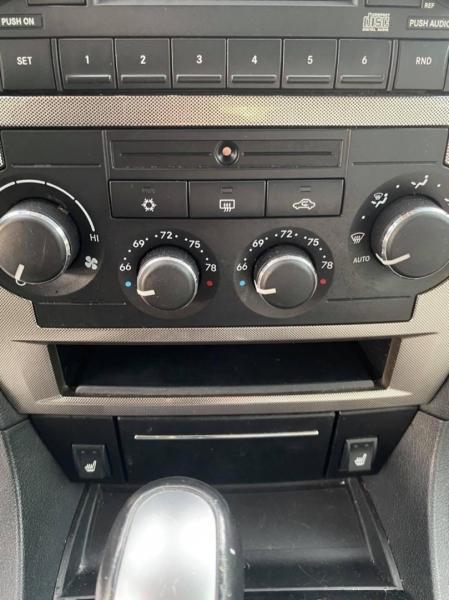 Chrysler 300 2006 price $6,950