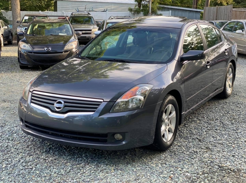 Nissan Altima 2007 price $4,950