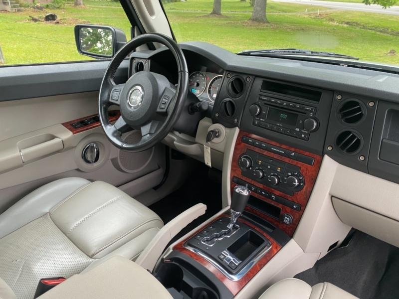 Jeep Commander 2006 price $6,995