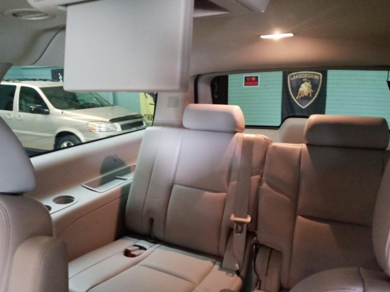 Chevrolet Suburban 2013 price $9,960