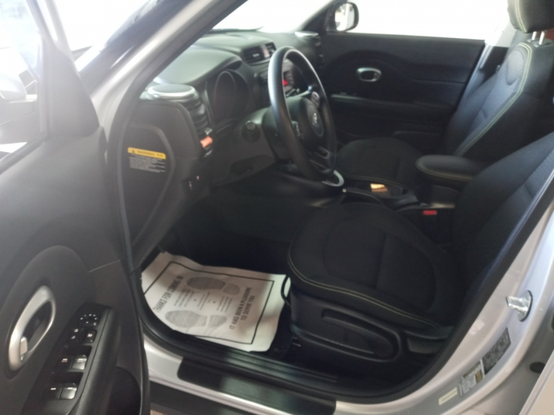 Kia Soul 2015 price $10,960