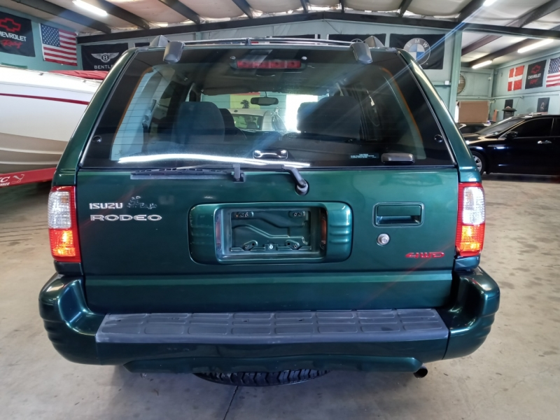 Isuzu Rodeo 2001 price $4,290