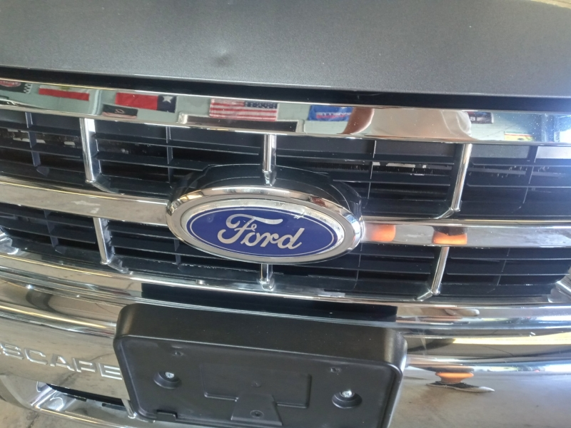 Ford Escape 2010 price $3,790