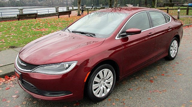 Chrysler 200 2015 price $8,900