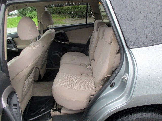 Toyota RAV4 2006 price $6,900