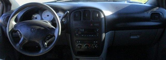Dodge Caravan 2004 price $2,900