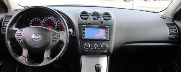 Nissan Altima 2011 price $9,900