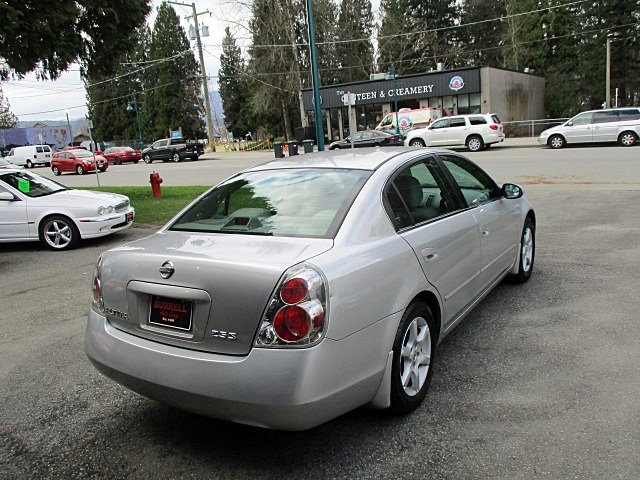 Nissan Altima 2005 price $1,900