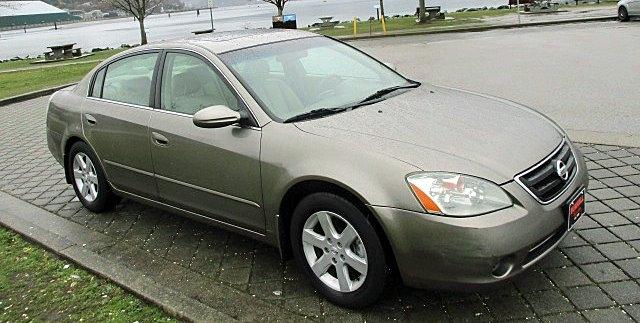 Nissan Altima 2003 price $1,900