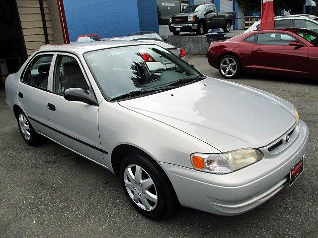 Toyota Corolla 2000 price $3,300