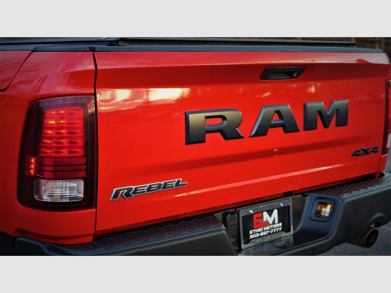 RAM 1500 2016 price 27900 + $499(D&H)