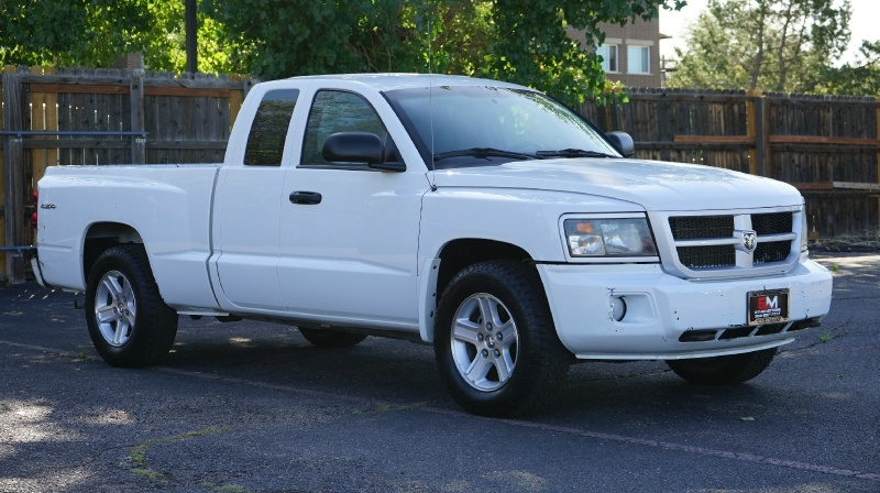 RAM Dakota 2011 price 15980 + $499(D&H)