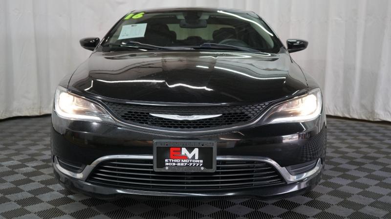 Chrysler 200 2016 price 13800 + $499(D&H)