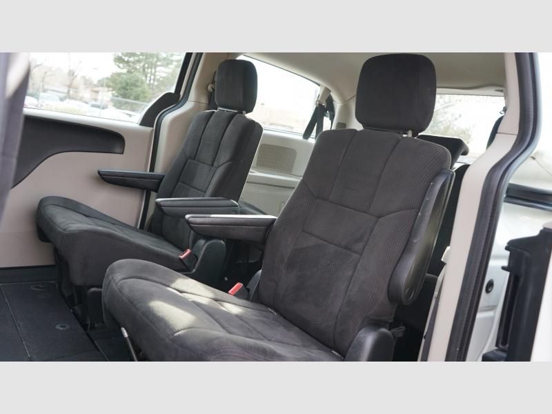 Dodge Grand Caravan 2013 price 8800 + $499(D&H)