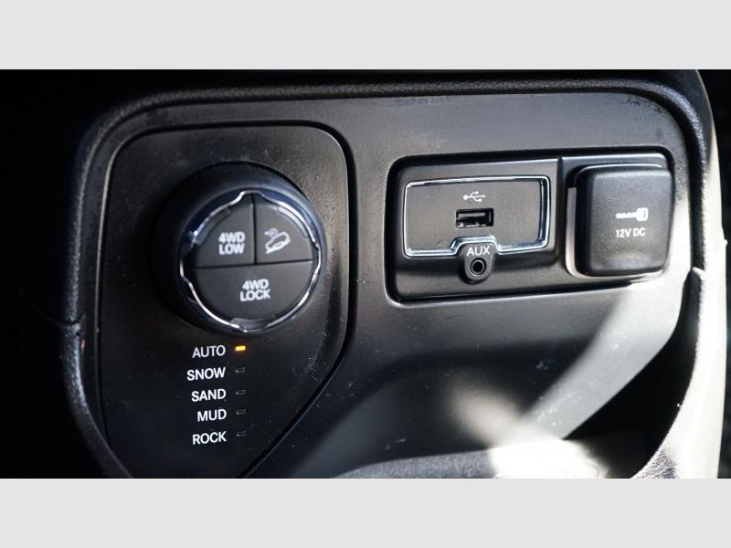 Jeep Renegade 2016 price 20,400 + $499(D&H)