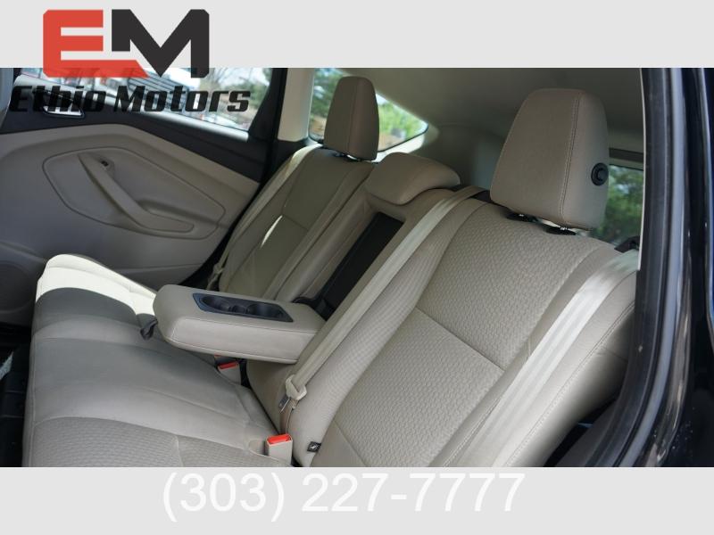 Ford Escape 2017 price 16900 + $499(D&H)