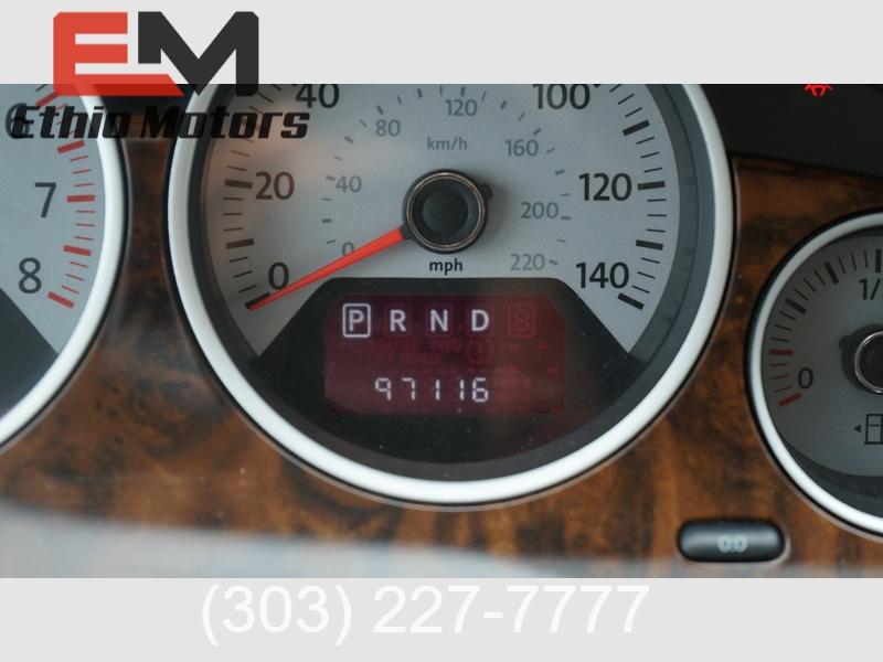 Volkswagen Routan 2011 price 10500 + $499(D&H)
