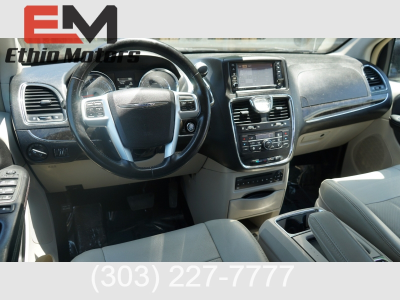 Chrysler Town & Country 2012 price 10900 + $499(D&H)