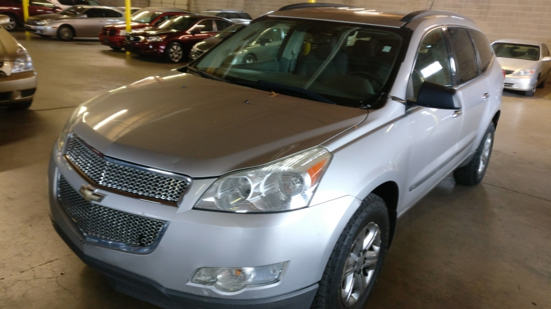 Chevrolet Traverse 2009 price $4,995 Cash