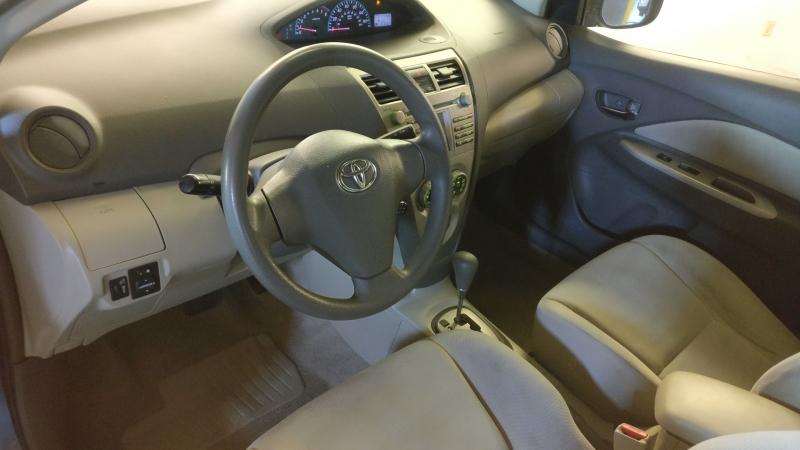 Toyota Yaris 2009 price $2,995 Cash