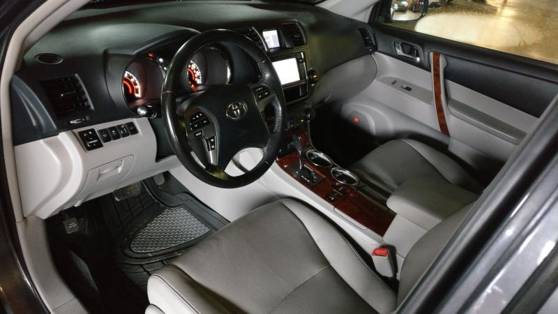 Toyota Highlander 2013 price $16,995 Cash