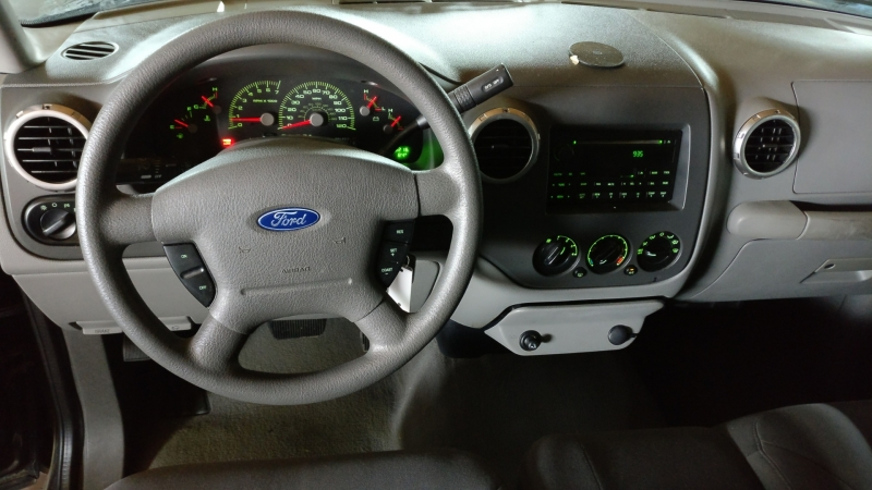 Ford Expedition 2004 price $3,995 Cash