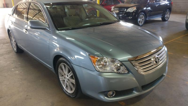Toyota Avalon 2010 price $6,995 Cash