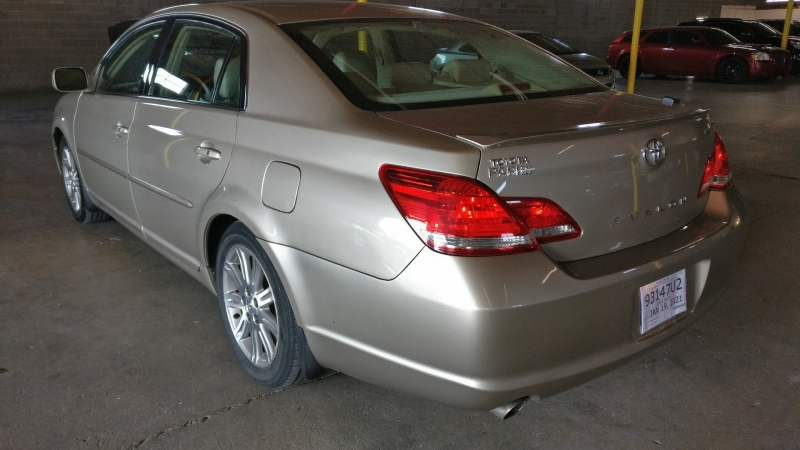 Toyota Avalon 2005 price $5,995 Cash