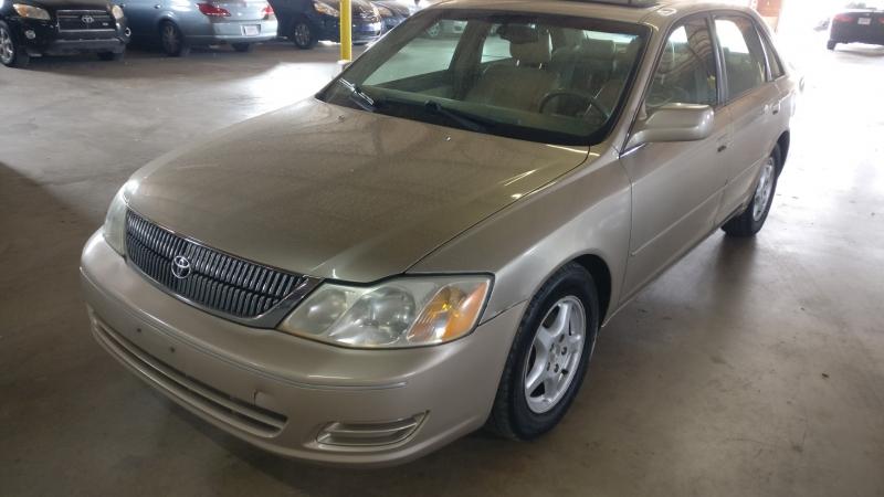 Toyota Avalon 2000 price $3,995