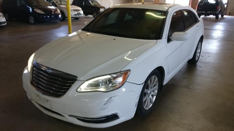 Chrysler 200 2012 price $5,995 Cash