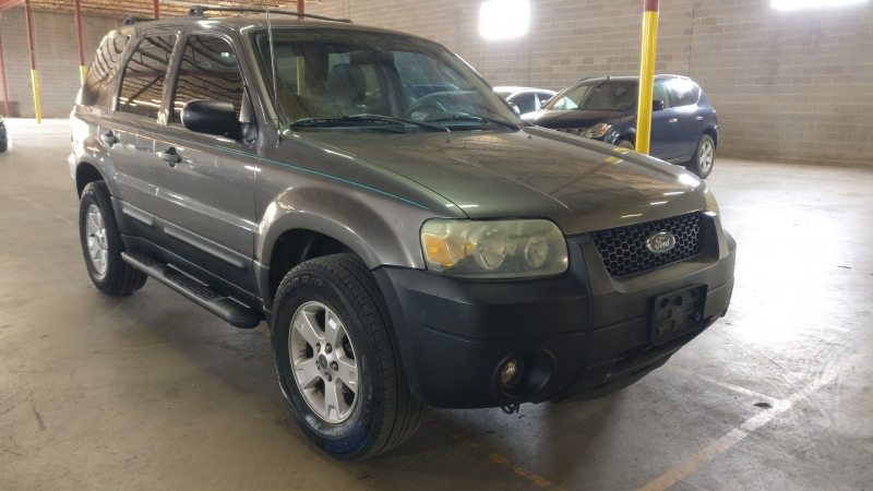Ford Escape 2005 price $3,995 Cash