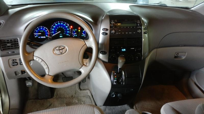 Toyota Sienna 2006 price $4,995 Cash