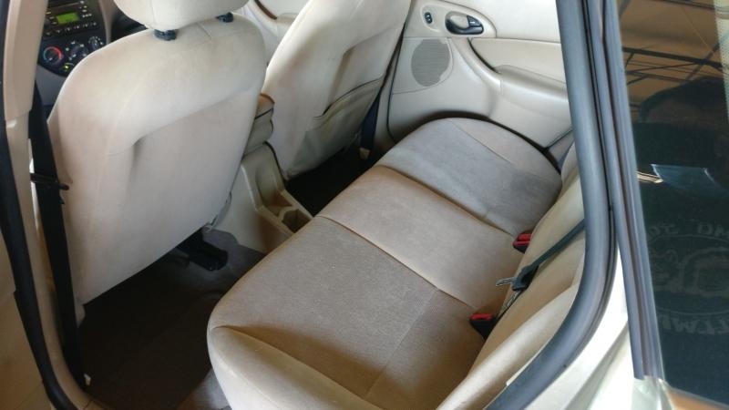 Ford Focus 2002 price $3,995 Cash