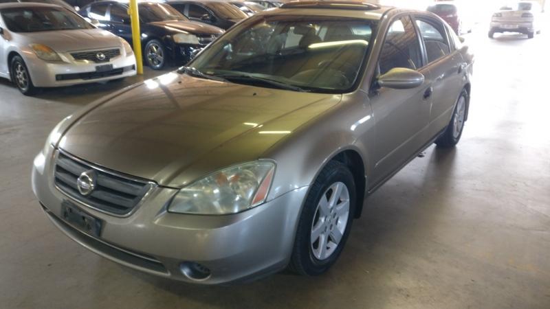 Nissan Altima 2003 price $2,995 Cash