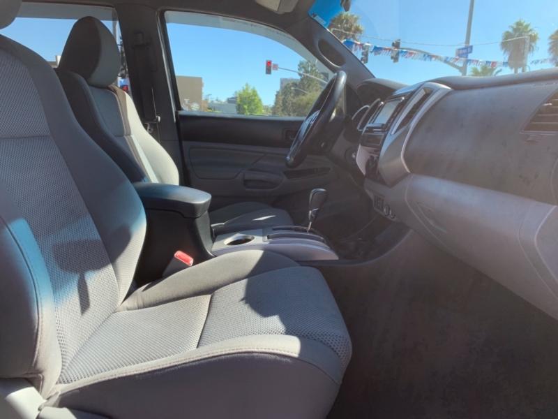 Toyota Tacoma 2015 price $23,995