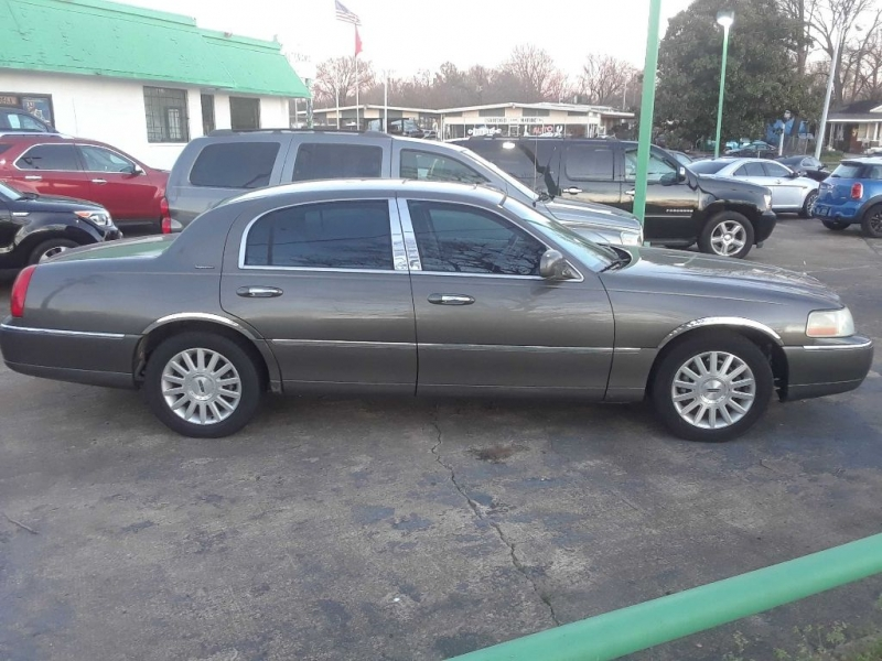 LINCOLN TOWN CAR 2003 price $5,593