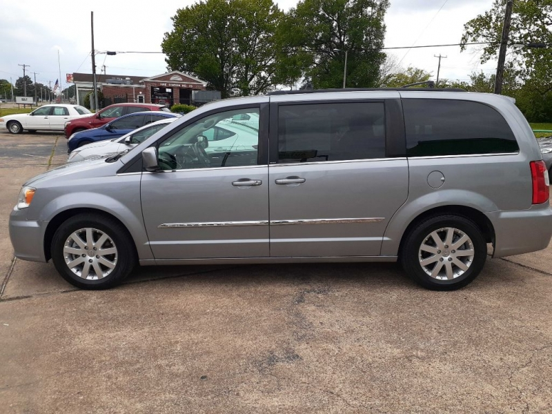 CHRYSLER TOWN & COUNTRY 2014 price $10,393