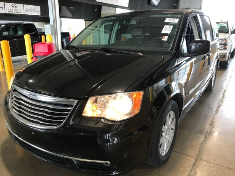 CHRYSLER TOWN & COUNTRY 2016 price $14,833