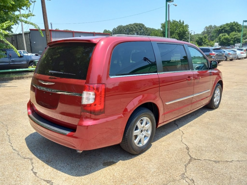 CHRYSLER TOWN & COUNTRY 2013 price $12,763