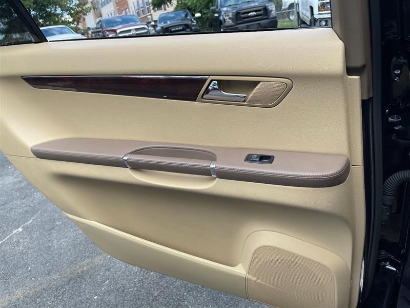 MERCEDES-BENZ R350 2010 price $10,995