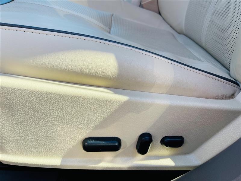 LINCOLN MKZ 2011 price $12,995