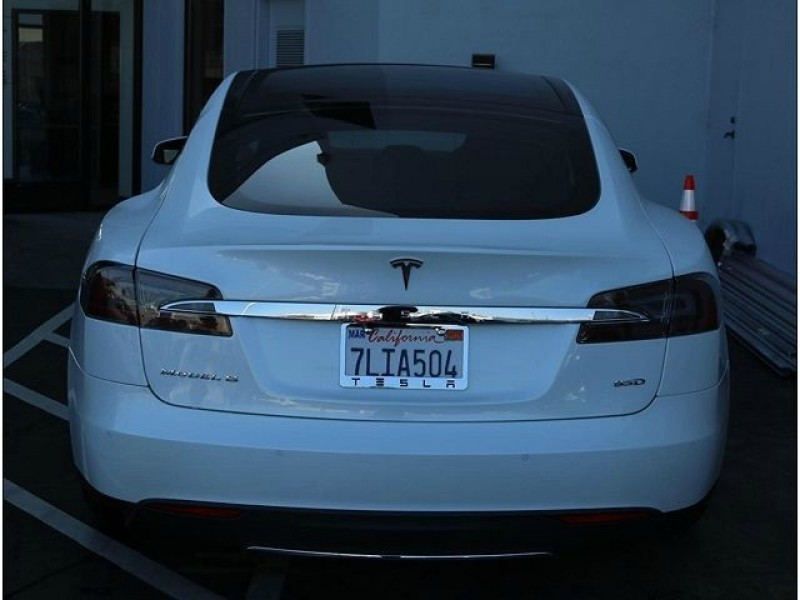 Tesla Model S 2015 price $51,000