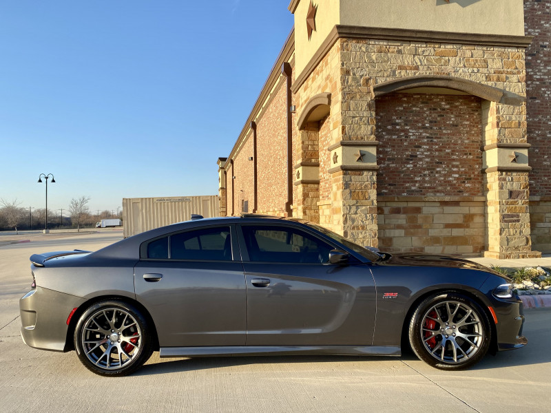 Dodge Charger 2017 price $42,991