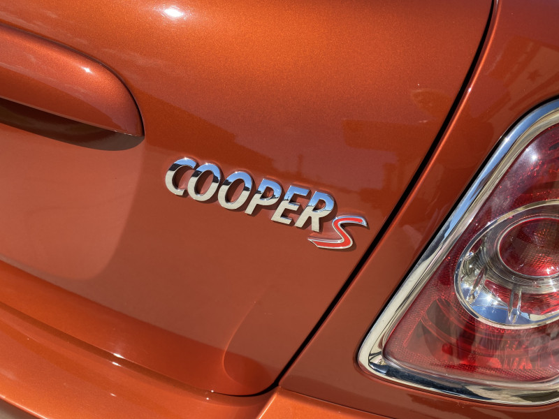 Mini Cooper Hardtop 2013 price $12,891