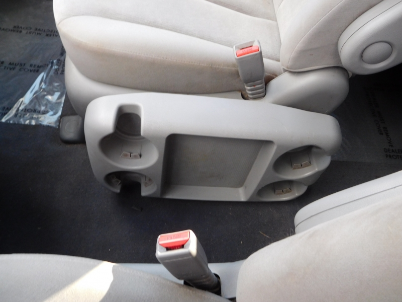 Kia Sedona 2010 price $8,995