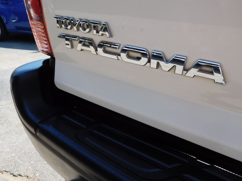 Toyota Tacoma 2013 price $24,995