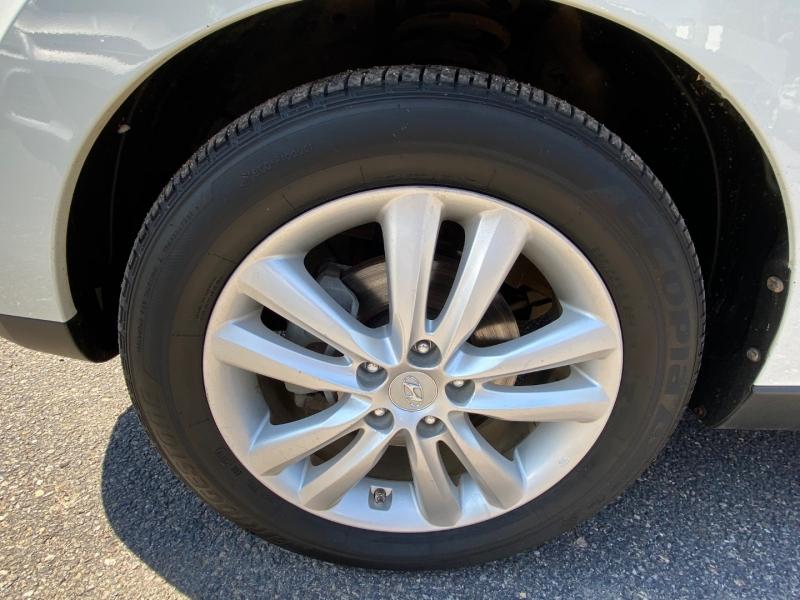 Hyundai Tucson 2012 price $10,995