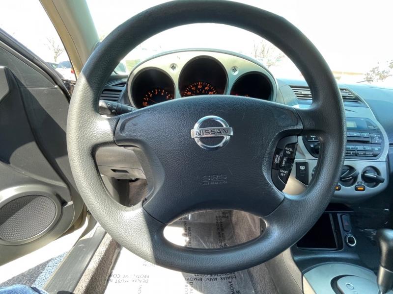 Nissan Altima 2004 price $7,995