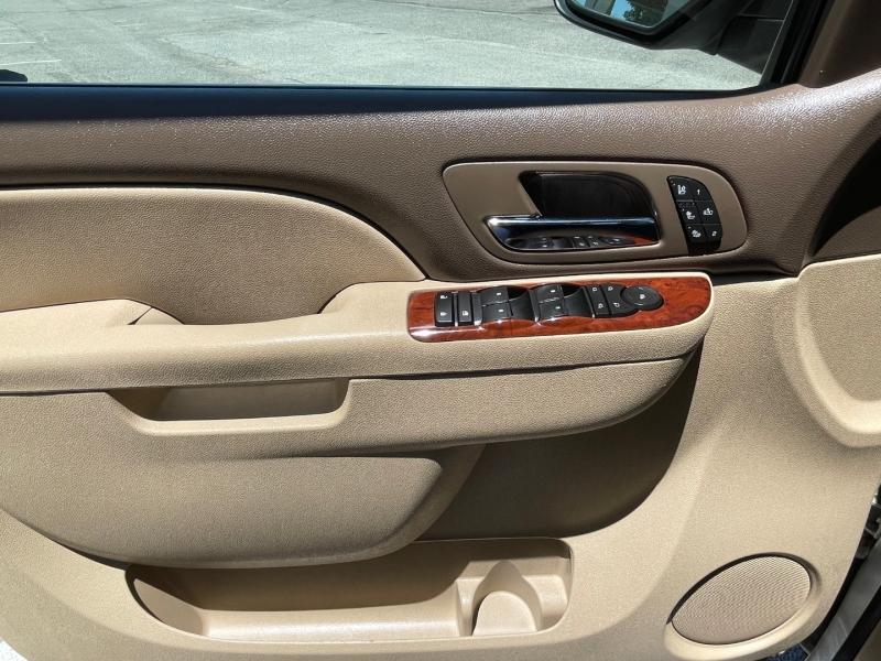 Chevrolet Suburban 2011 price $17,995